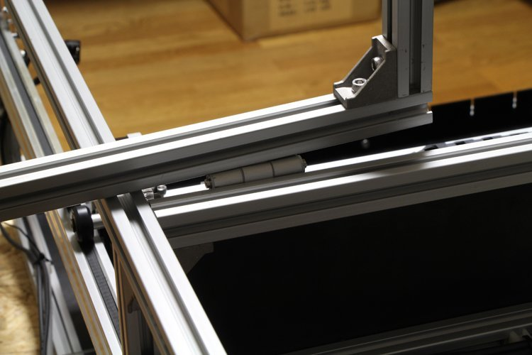 inserting the hinge to aluminum frame