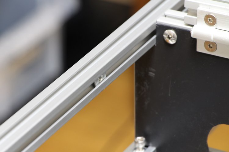using pre-inserted M5 T nuts on the inside of frame