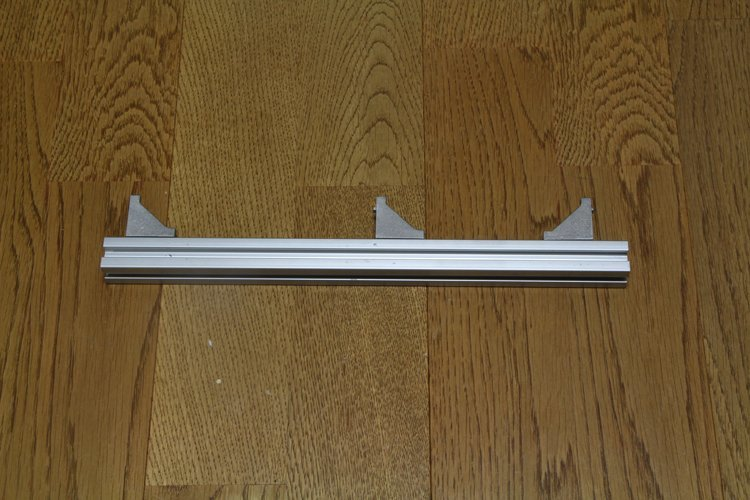 attach right-angle bracket to 295mm aluminum frame