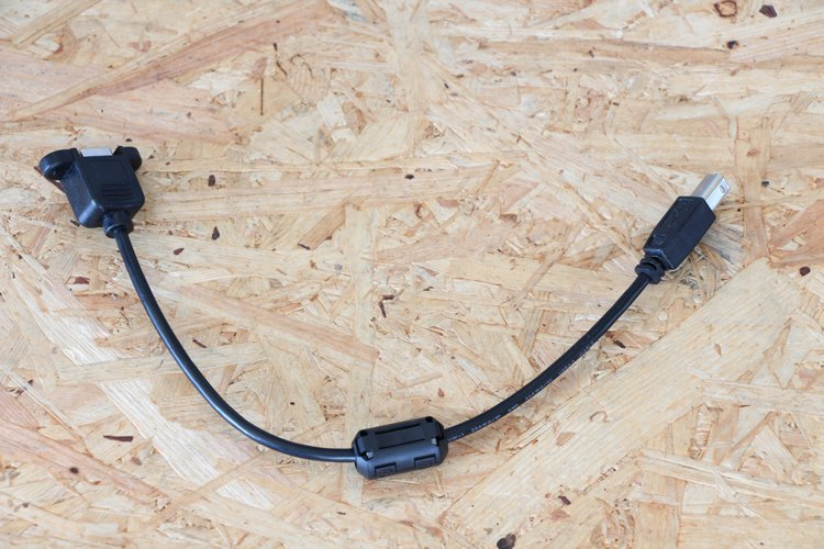 attaching ferrite core to the panel mount USB cable