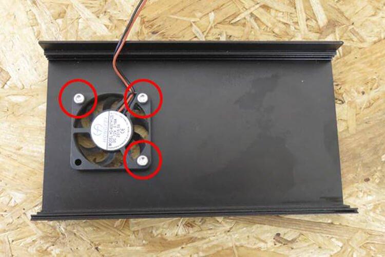 installing DC case